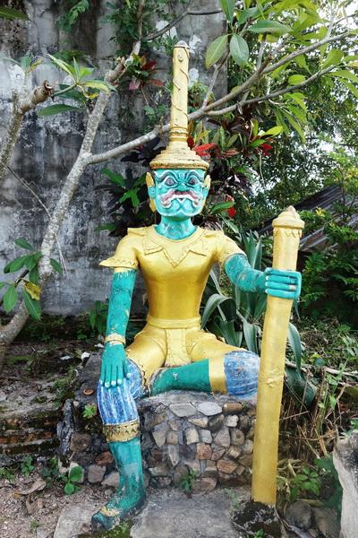 mae yen temple, wat phra that mae yen, phra that mae yen, phra that mae yen temple